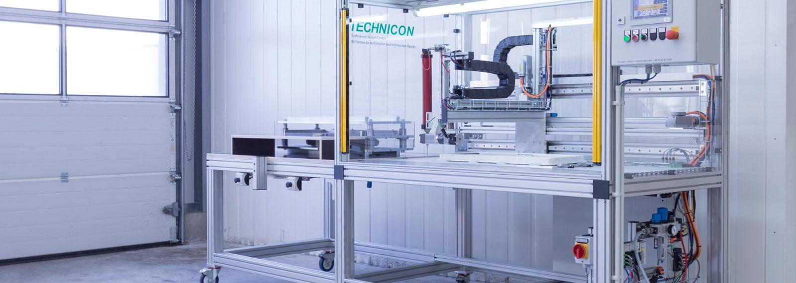 CNC-adhesive-sealant-dispensing-kontur-klebstoffauftrag