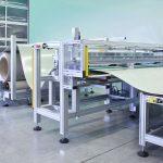 Kompakte Bauweise: Zuschneidesystem mit Abwickeleinheit